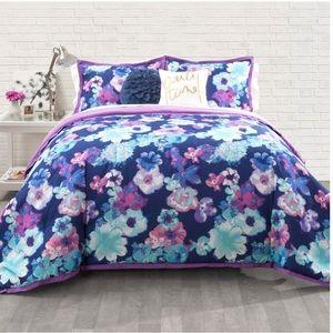 Other - Seventeen Eden Comforter and Pillow Shams Purple